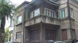 Пенсионерка просит помочь отремонтировать аварийный балкон