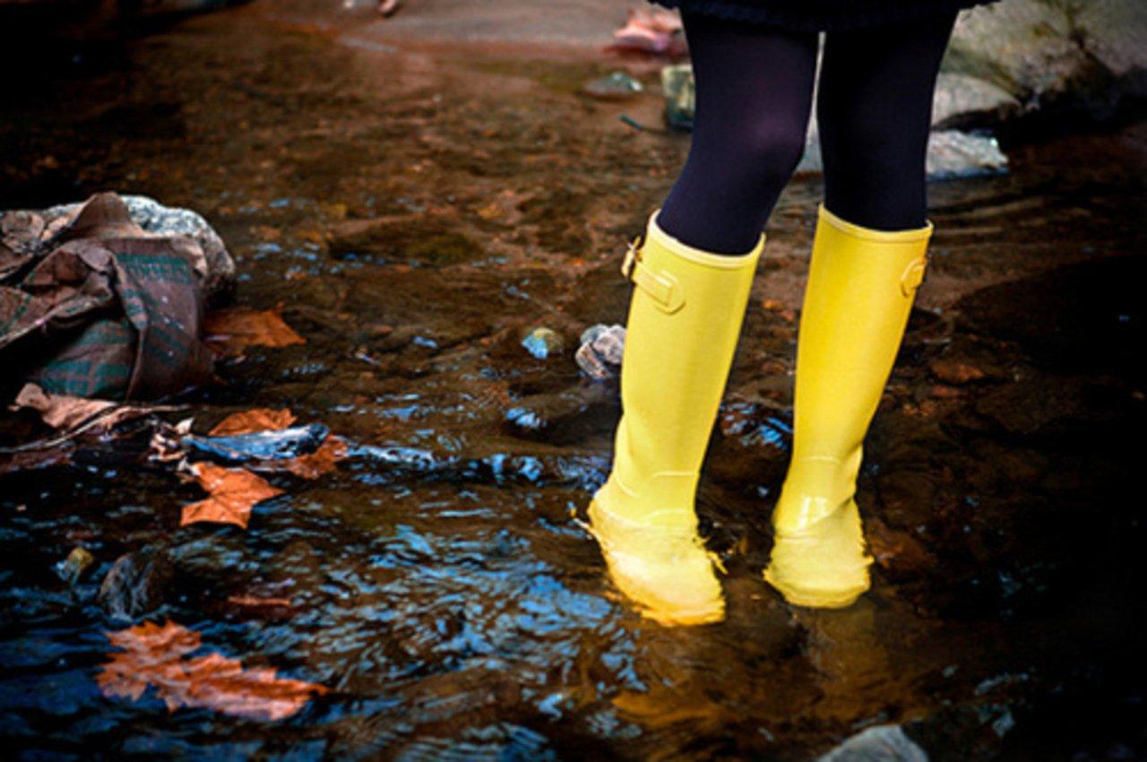 можно ли носить замшевую обувь в сырую погоду холодное