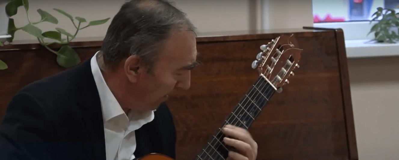 гитарист Виталий Панкратов